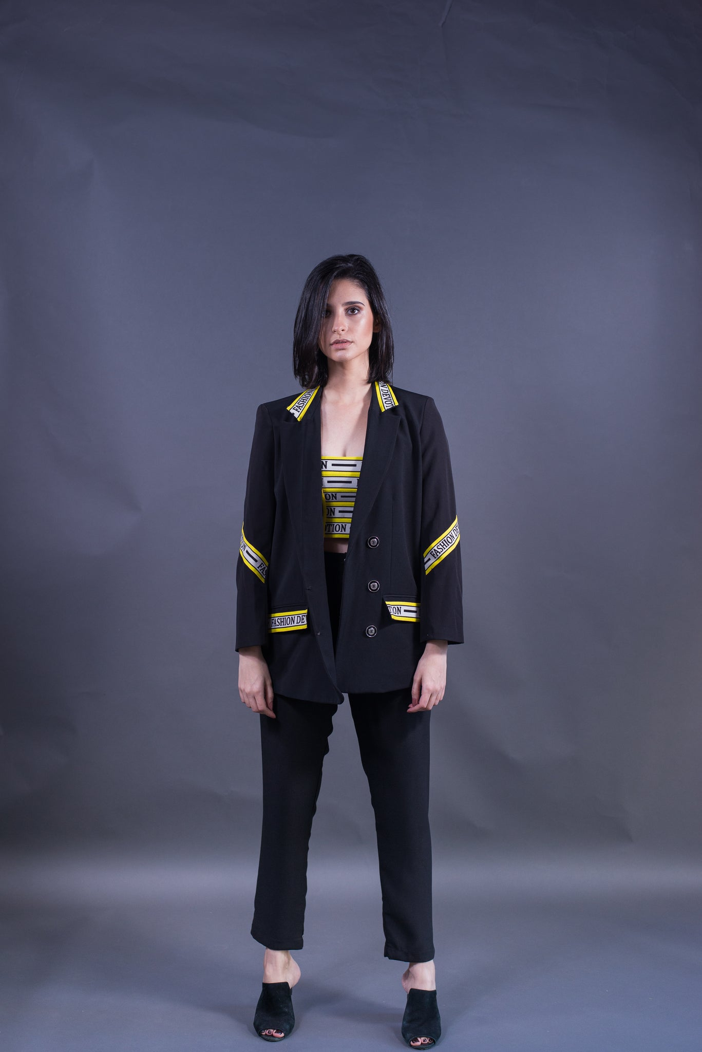 Blazer preto fashion yellow