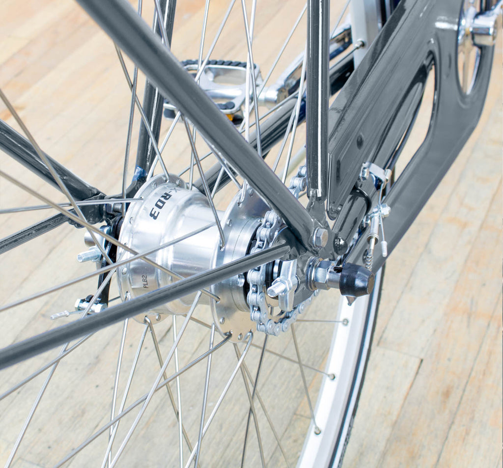 Achielle Basiel Opa Dutch Roadster City Bike in Steel Grey - Rear Hub Detail