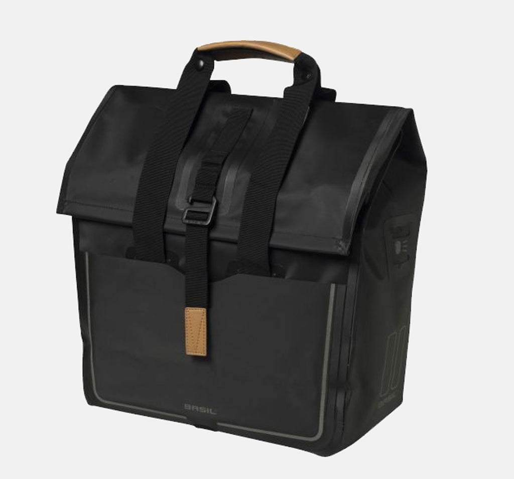 Basil Urban Dry Shopper in Black
