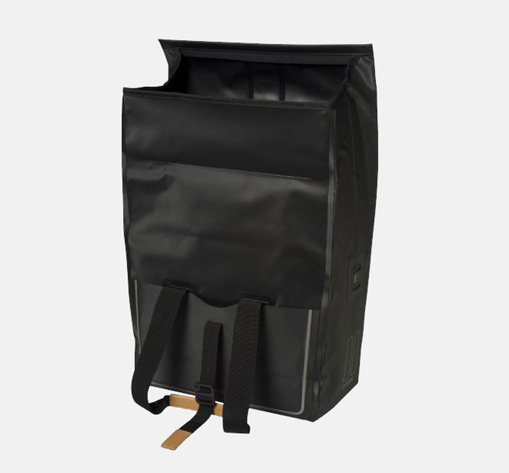 Basil Urban Dry Shopper in Black - Open