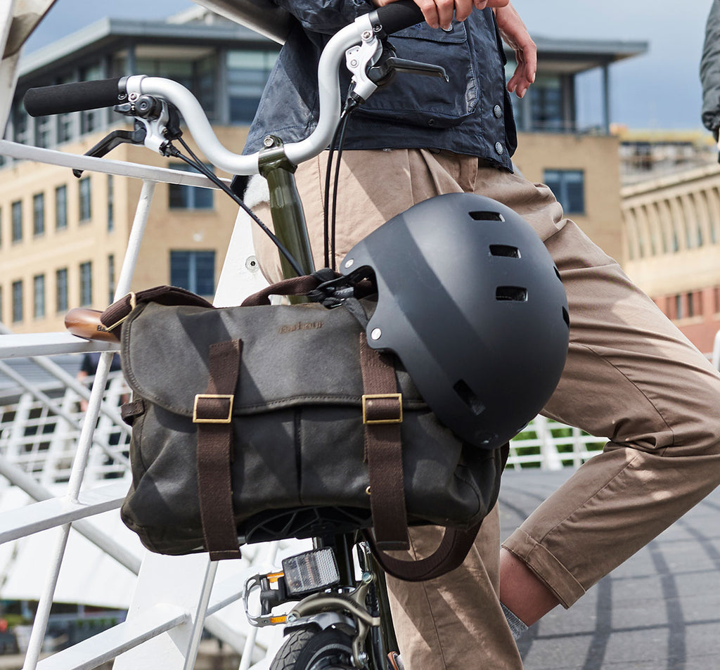 Brompton X Barbour Tarras Bag Lifestyle Shot