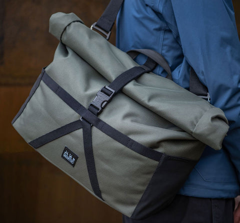 METRO MESSENGER - LARGE