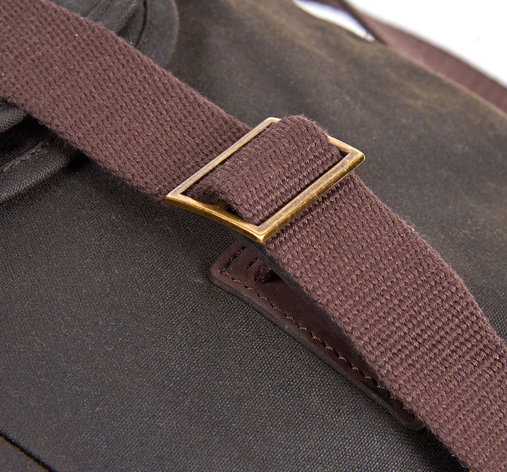 Brompton X Barbour Tarras Bag in Green Clasp Detail