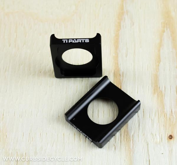 Ti Parts Workshop Carbon Rail Saddle Adaptor in Black