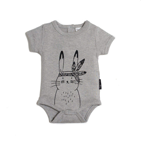 Aster & Oak Organic Cotton Bunny Chief Onesie in Grey