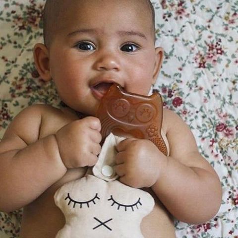 Haakaa Natural Rubber Teether - Smiling Owl - Naked Baby Eco Boutique - New Zealand Eco Friendly Organic Baby Products - 2
