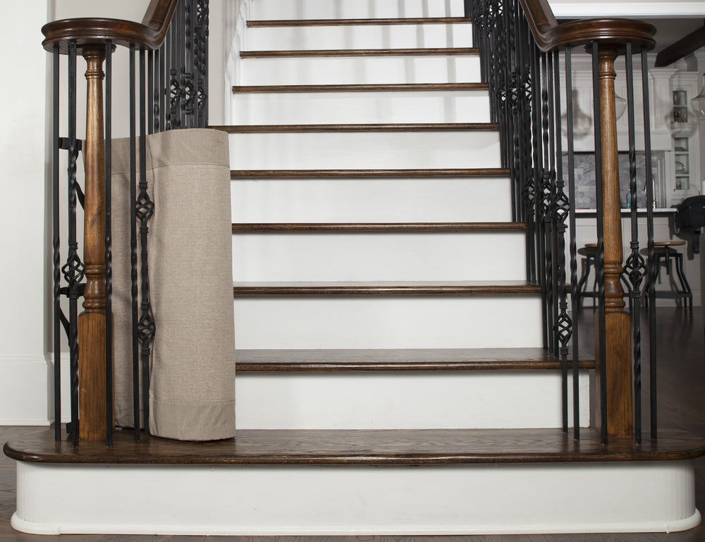 Why Retractable Stair Gates are the Unbeatable Childproofing Tool