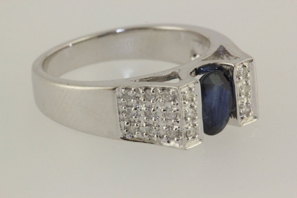 ESTATE 14K W GOLD LADYS OVAL CUT SAPPHIRE AND DIAMOND RING 1.00CT