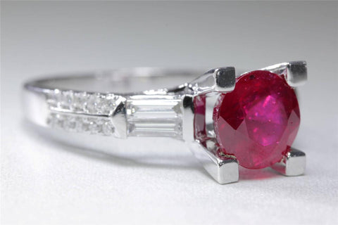 MODERN 14K WHITE GOLD LADIES RING ROUND SOLITAIRE RUBY BAGUETTE DIAMOND 2.14C