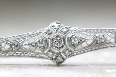 1930s ANTIQUE ART DECO FILIGREE 14K WHITE GOLD LADIES DIAMOND PIN BROOCH