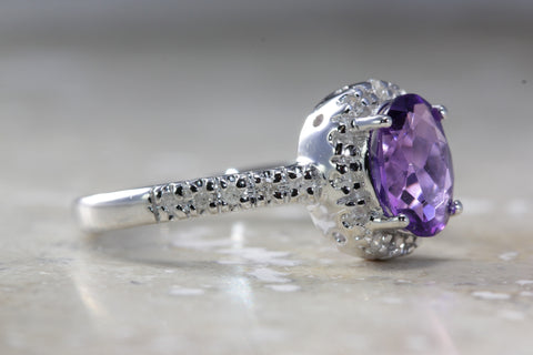 ANTIQUE 14k WHITE GOLD LADIES RING OVAL SHAPE AMETHYST HALO DIAMOND 1.22CT