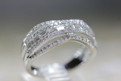 LADIES DIAMOND WEDDING BAND ROUND & STRAIGHT BUGGETT 14K W GOLD