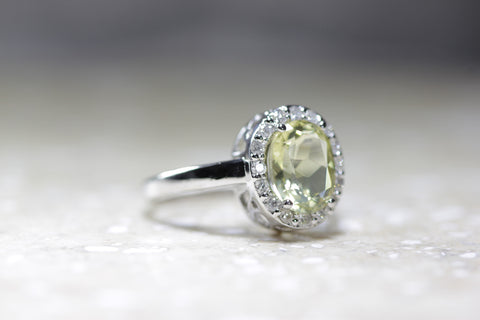 HELO 14k WHITE GOLD LADIES OVAL SHAPED LEMON QUARTZ & DIAMOND RING
