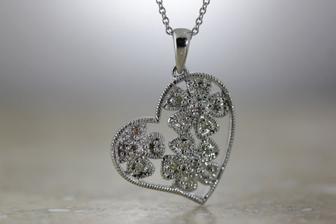 14K GOLD DIAMOND WHITE HEART FLOWER PENDANT 0.20 CT 14K GOLD CHAIN 14CT 14KARAT