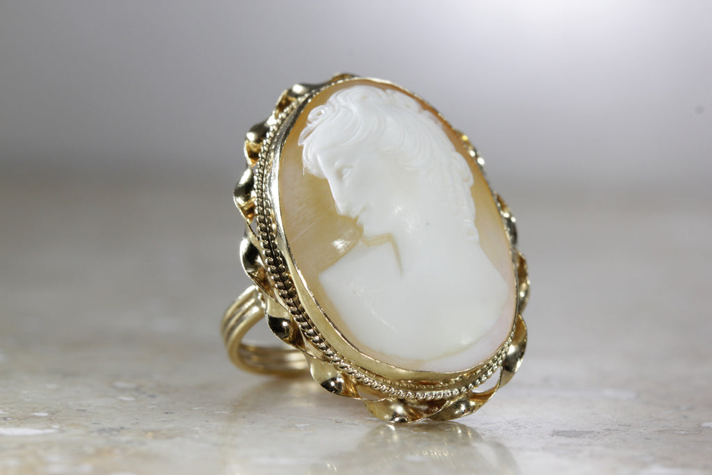 ANTIQUE 14K YELLOW GOLD LADIES HAND CARVED CAMEO RING 29 X 23