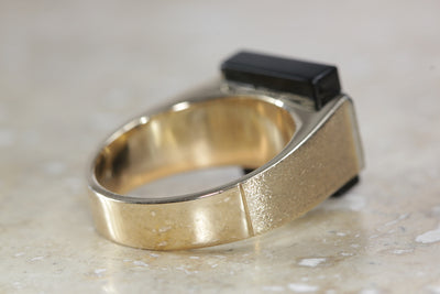 14K YELLOW GOLD MENS ONYX AND DIAMONDS RING SOLID