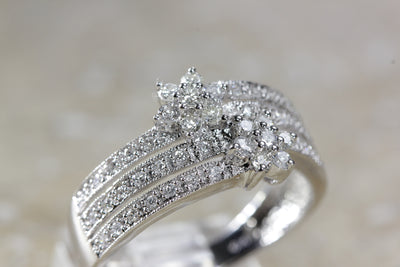 14k WHITE GOLD DIAMOND LADIES FLOWER BAND RING