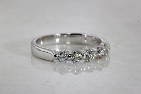 14k WHITE GOLD DIAMOND LADIES FIVE STONE WEDDING BAND RING