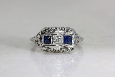 ART DECO FILIGREE RING W/ OLD EURO DIAMOND AND SAPPHIRE IN 18k GOLD ANTIQUE