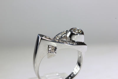 RETRO CRISS-CROSS 14k WHITE GOLD DIAMOND RING