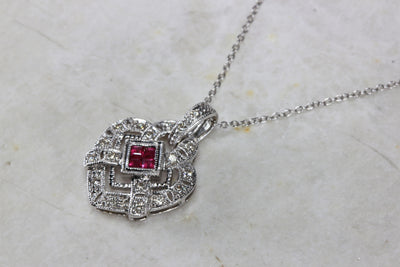 ANTIQUE 14K GOLD DIAMONDS & RUBY HEART ART DECO PENDANT AND CHAIN