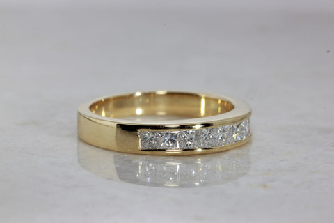 UNISEX 18k YELLOW GOLD PRINCESS CUT DIAMOND WEDDING BAND