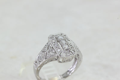 ANTIQUE LADIES DIAMOND RING 14k WHITE GOLD ART DECO