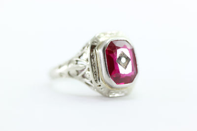 ANTIQUE ART DECO FILIGREE RING DIAMOND AND RUBY IN 18k WHITE GOLD