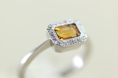 14k WHITE GOLD LADIES CITRINE & DIAMOND HALO RING EMERALD CUT