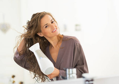 Do not dry your hair after bathing causes the root to rot