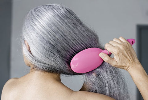 Gray hair combing and moisturizing