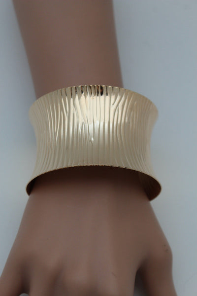 Gold / Silver Metal Wide Bracelet Light Trendy Shiny Style New Women Fashion Jewelry Accessories - alwaystyle4you - 17