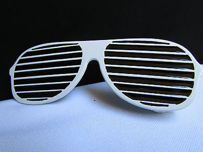 New Men / Women Fashion White And Black Trendy Long Sunglass Big Metal Belt Buckle - alwaystyle4you - 1