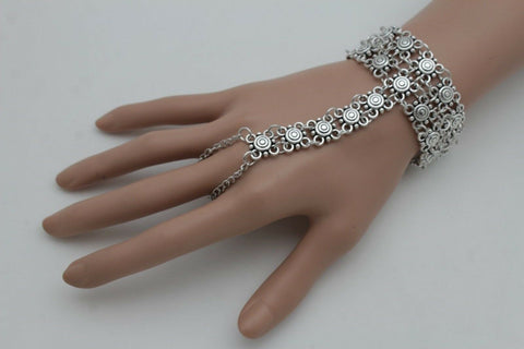 Antique Silver Metal Hand Chain Flowers Bracelet Slave Ring Vintage Look New Women Fashion Accessories