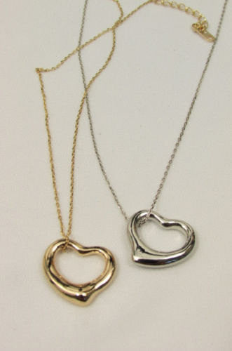 New Women Mini Metal Heart Pendant Chain Fashion Necklace Gold / Silver Love - alwaystyle4you - 1