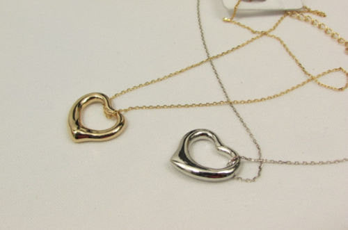 New Women Mini Metal Heart Pendant Chain Fashion Necklace Gold / Silver Love - alwaystyle4you - 4