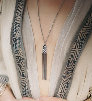 Ona Pendant Necklace