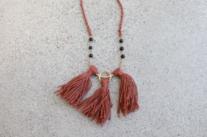Catori Tassel Necklace || Rust