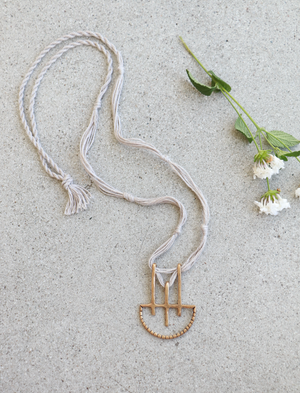 Onatah Necklace || Sand