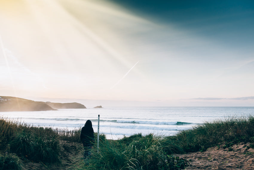 Surf breaking at South Fistral | Mackie Studio Instameet | Newquay-Cornwall-UK