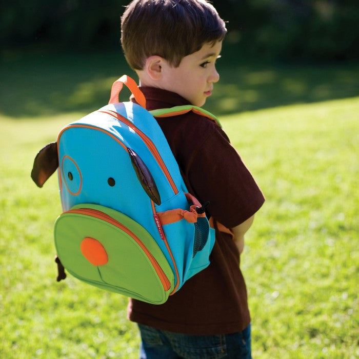 This terrific backpack with dog motif will hold all the supplies your preschooler might need for a busy day. The mesh side pocket adjusts to fit a juice box, sippy cup or water bottle.