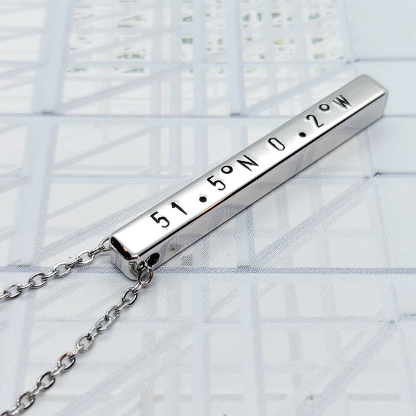 4 cm Bar Necklace (max. 13 characters)