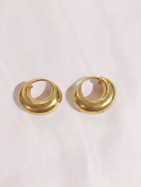 18k crescent 🌙 hoop earrings