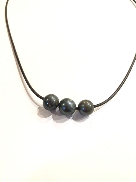 Tahitian triple pearl - necklace