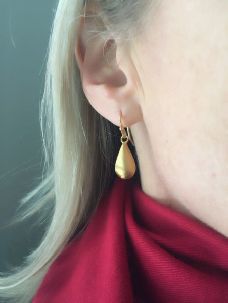 Gold drop earrings large