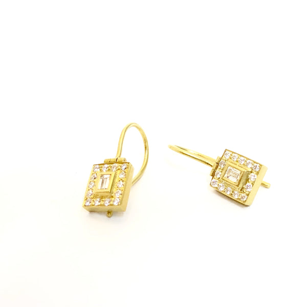 Picture this! Baguette halo diamond earrings