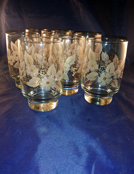 Tumblers With White Flowers, Gold Trim - The Other Alley