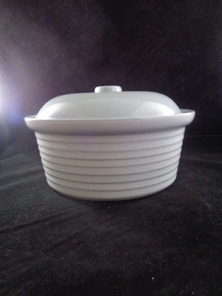 Anchor Hocking Stoneware Casserole Dish With Lid