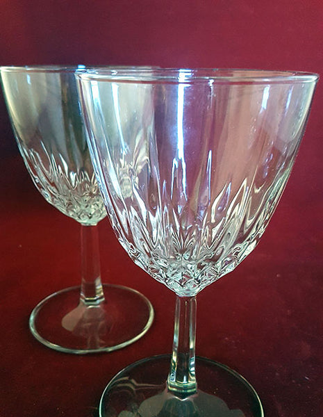 Set of 2 Like Cristal D Arque-Durand Diamant Wine Glasses - The Other Alley