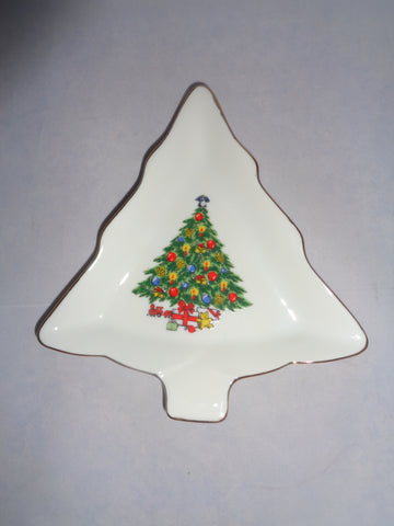 """Christmas Treasure"" Snack Dishes  S/4"